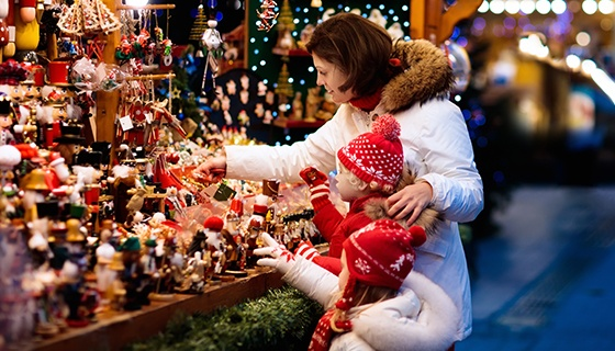 """Weihnachtsmarkt auf dem Pasewalker Marktplatz mit den Köstlichkeiten des """"Hotel am Park"""